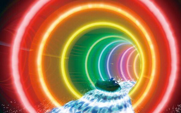 まるでレインボーロード?虹色のウォータースライダーが楽しめる、蓮沼ウォーターガーデン@千葉
